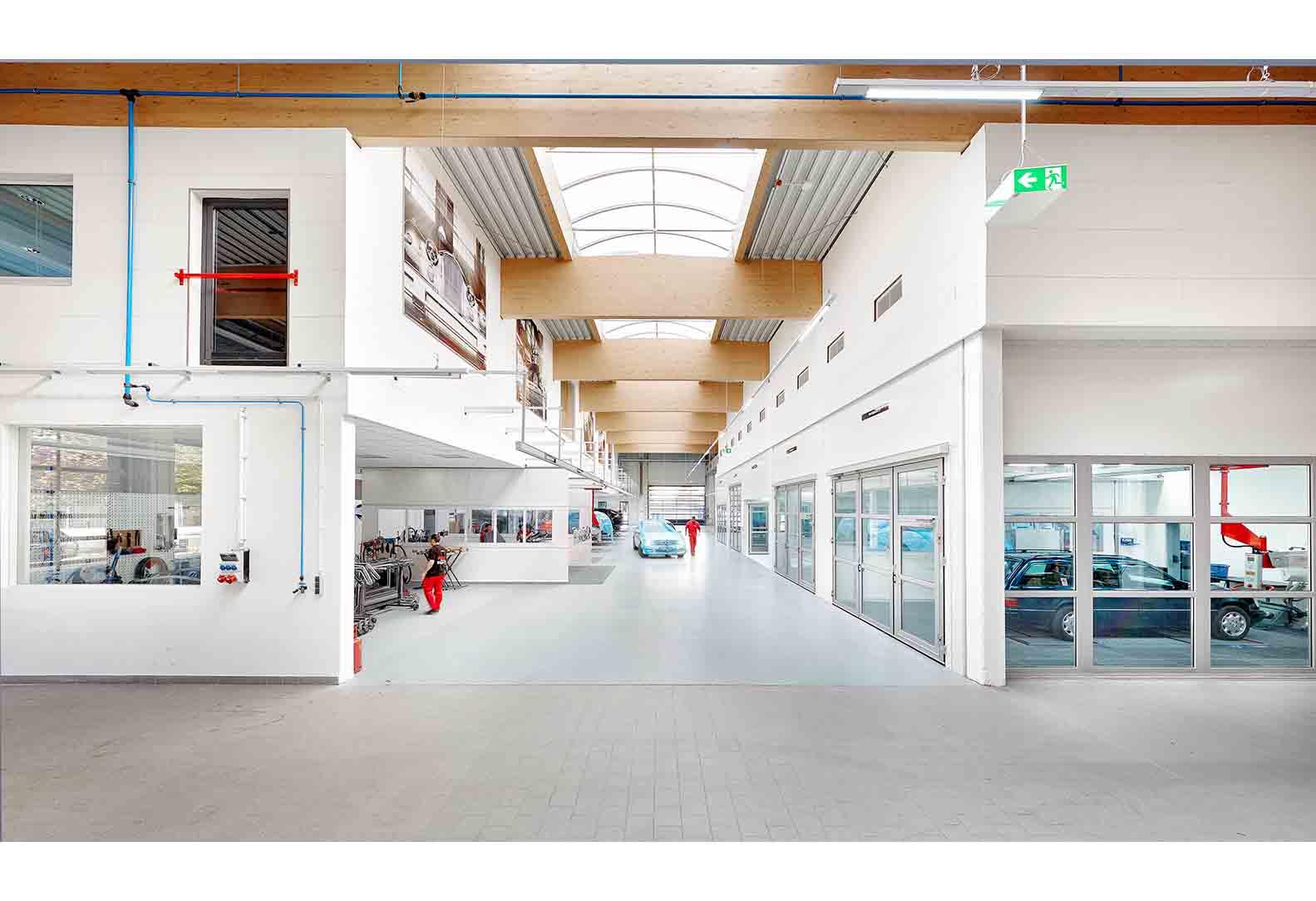 Neubau Lackiererei und Karosseriewerkstatt - Fellbach